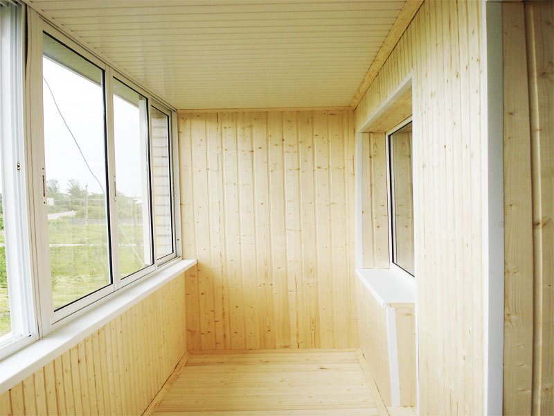 Отделка балконов внутри (45 фото): разнообразие